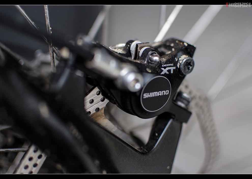 """Pinza freno-Fujifilm S5Pro + Nikkor 35mm f1.8 DX @ 1.8 - 1/350"""" - 320 ISO"""